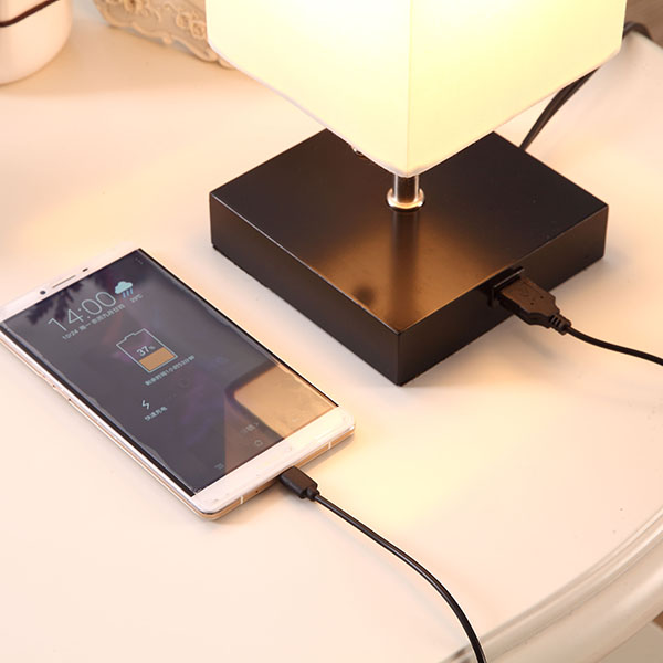 Bedside Nightstand Lamp with USB Charging Port 4