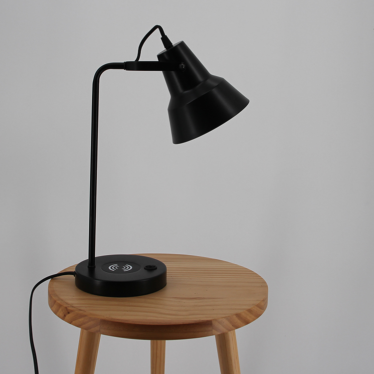 Black Metal Table Lamp-2