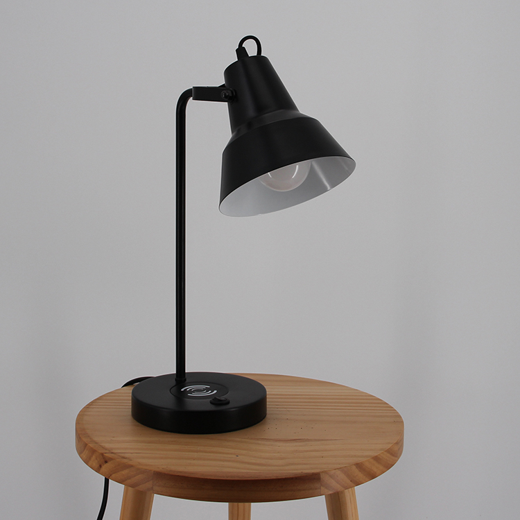 Black Metal Table Lamp-3