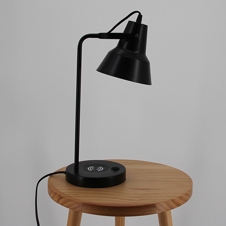 Black Metal Table Lamp-4