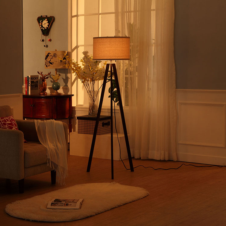 Cheap Tripod Floor Lamp 3