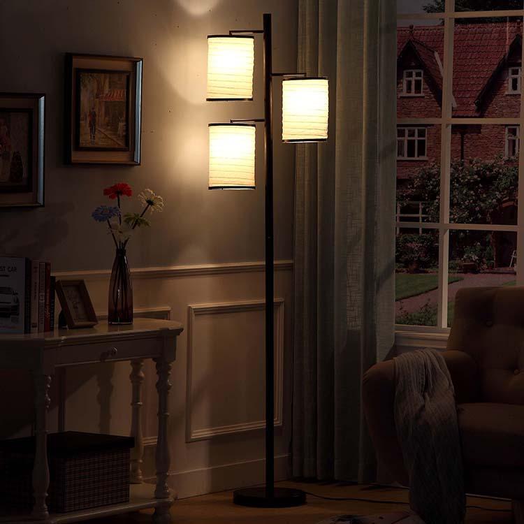 Classic blackTree Lamp 1