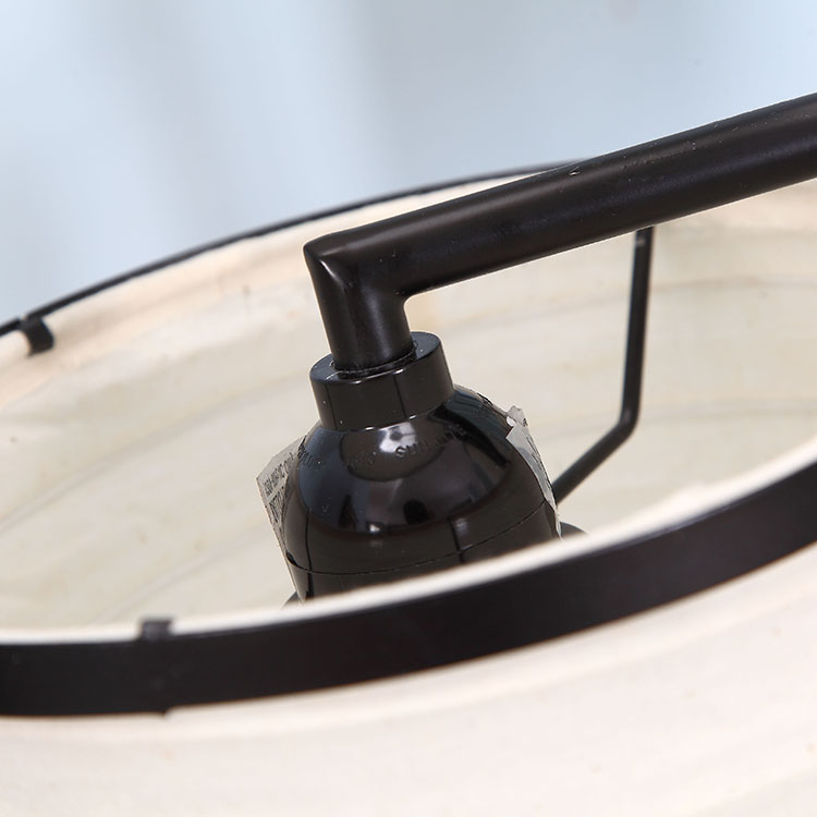 Classic blackTree Lamp details 2