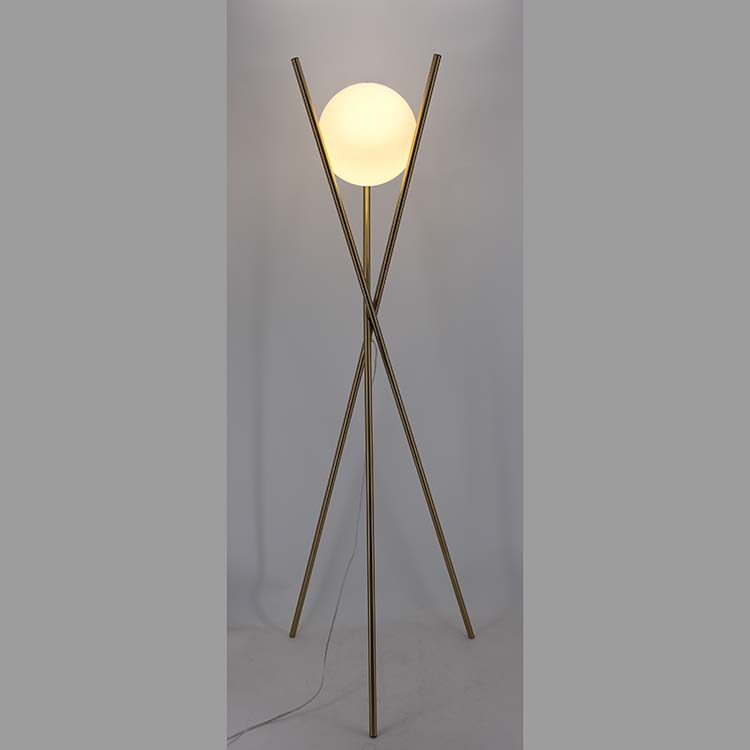 https://www.goodly-light.com/gold-tripod-floor-lampglobe-glass-shade-goodly-light-gl-flm108.html