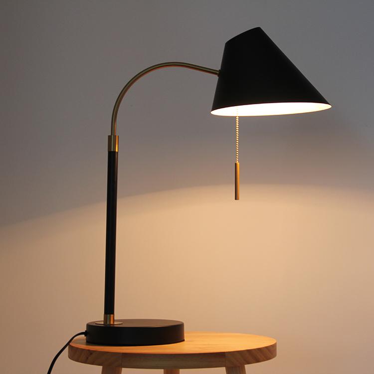 black metal table lamp-3