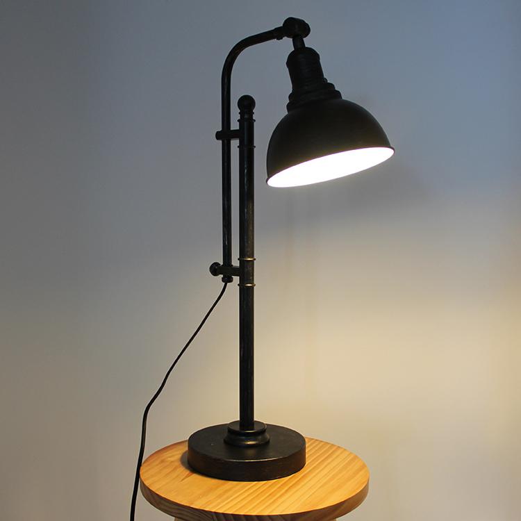 black metal table lamp-4