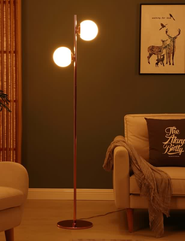 Logam Floor Lamp