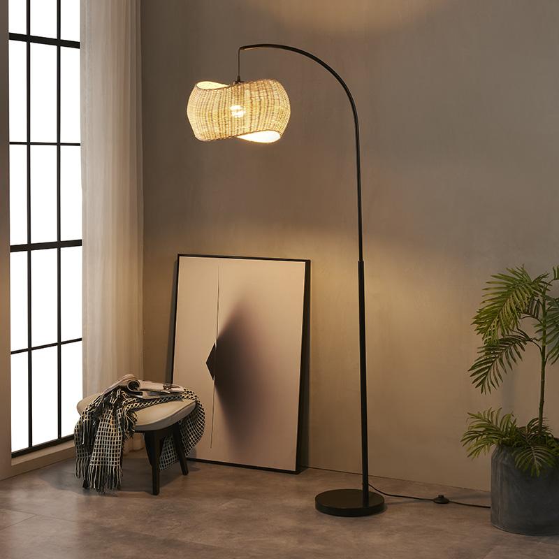 iron pipe floor lamp-4