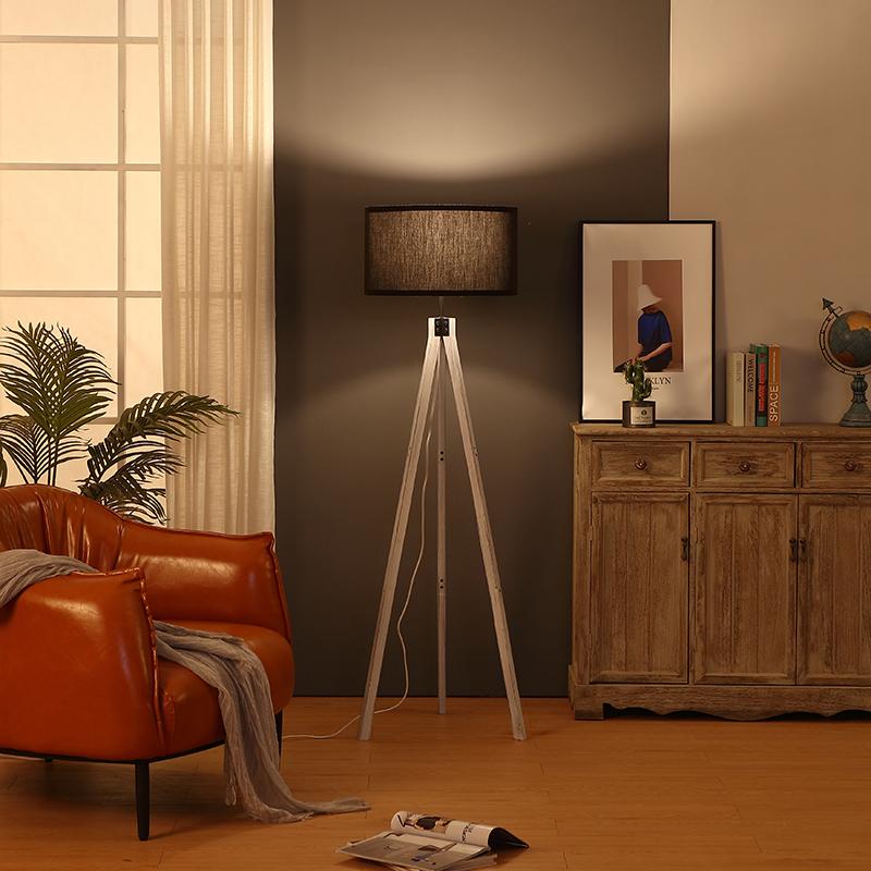 vintage tripod light-5
